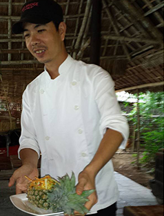 Hoi-An-Cooking-School-Chef